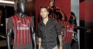 Vangioni set for early Milan departure? | Image: acmilan.com