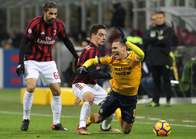Milan – Hellas Vérone : Keisuke Honda Photos Photos - AC ...