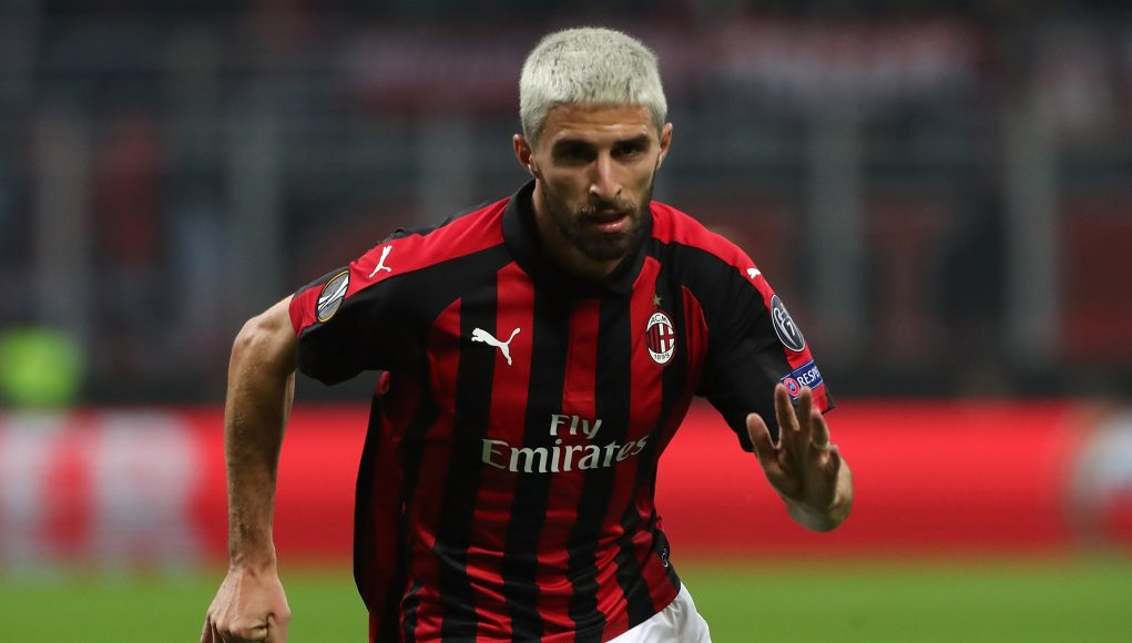 MILAN, ITALY - OCTOBER 25: Fabio Borini of AC Milan in action during the UEFA Europa League Group F match between AC Milan and Real Betis at Stadio Giuseppe Meazza on October 25, 2018 in Milan, Italy. (Photo by Marco Luzzani/Getty Images)