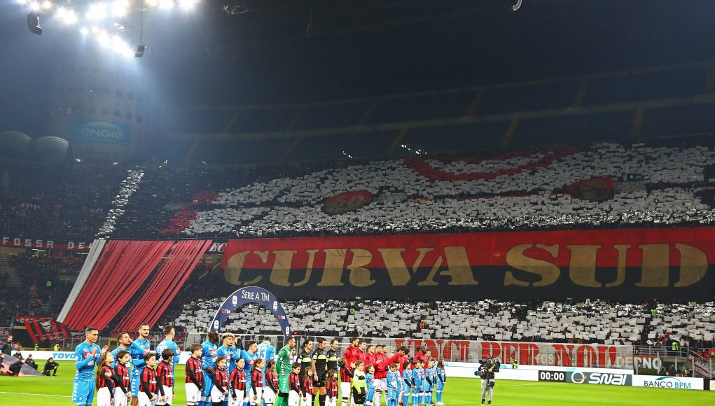 MILAN, ITALY - JANUARY 26: The AC Milan fans show their support as players of AC Milan and SSC Napoli line up before the Serie A match between AC Milan and SSC Napoli at Stadio Giuseppe Meazza on January 26, 2019 in Milan, Italy. (Photo by Marco Luzzani/Getty Images)