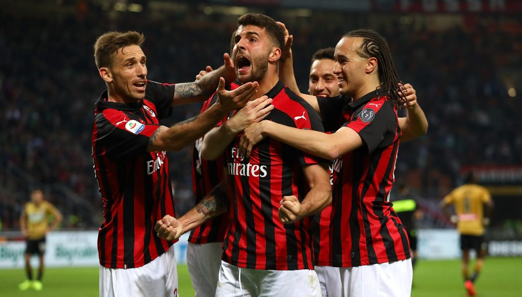 MILAN, ITALY - APRIL 02: Patrick Cutrone (C) of AC Milan celebrates his team-mates goal during the Serie A match between AC Milan and Udinese at Stadio Giuseppe Meazza on April 2, 2019 in Milan, Italy. (Photo by Marco Luzzani/Getty Images)