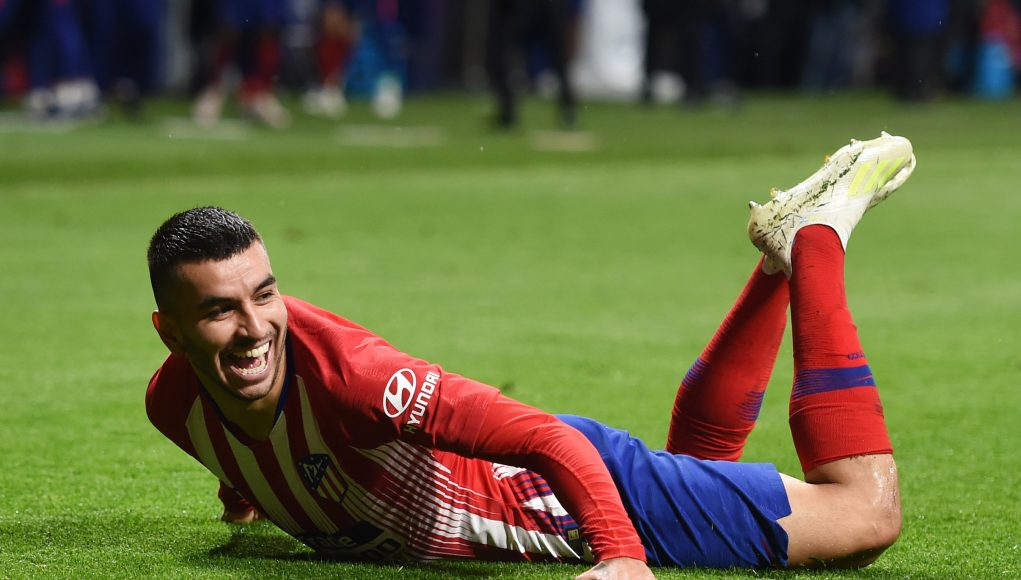 MADRID, SPAIN - APRIL 24: Angel Correa of Atletico Madrid celebrates after scoring his team's third goal during the La Liga match between Club Atletico de Madrid and Valencia CF at Wanda Metropolitano on April 24, 2019 in Madrid, Spain. (Photo by Denis Doyle/Getty Images)