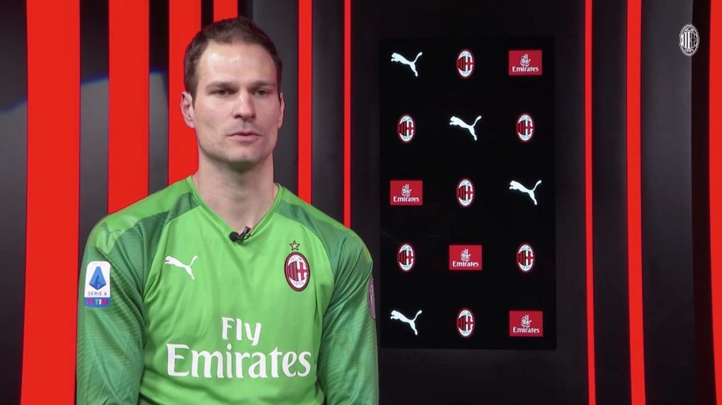 Bournemouth Loanee Begovic Very Happy At Milan Praises The Donnarumma Brothers