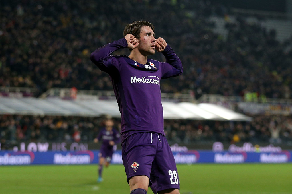 CM: Verona leapfrog Milan and Roma as Fiorentina refuse to sell starlet Vlahovic