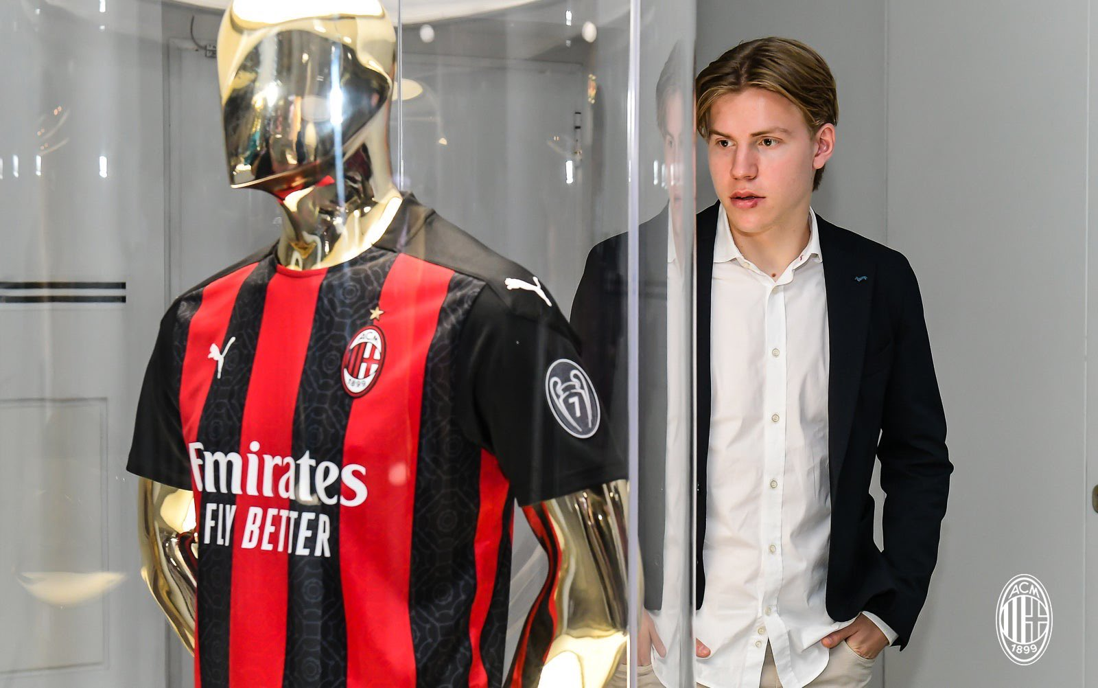CM: Hauge rejected the advances of RB Leipzig to seal Milan move - the  background