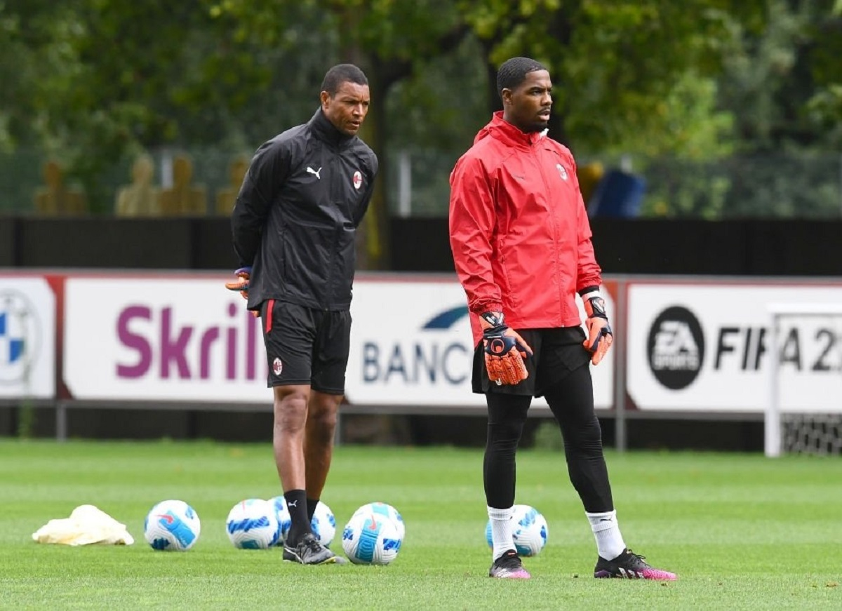 """Maignan pleased to have Dida as goalkeeping coach: """"He was a great goalkeeper"""""""